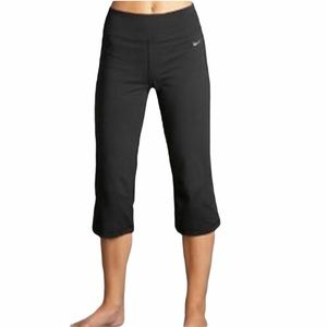 Nike Fitdry Loose Fit Cropped Pants Mid Rise Black
